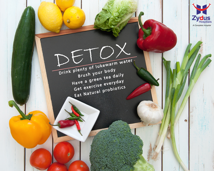 It's a common belief that detoxing is a one-time event. But there's no reason why you can't take these steps to detox your body on a consistent basis.  #DailyDetoxTips